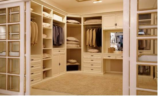 features in new homes--walk-in-closet